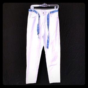 Zara white Highwaist Demin with Blue denim Belt